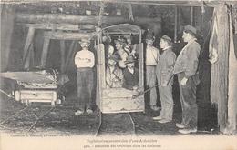 POUANCE - Exploitation Souterraine D'une Ardoisière - Descente Des Ouvriers Dans Les Galeries - Mine - Altri Comuni