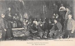 POUANCE - Exploitation Souterraine D'une Ardoisière - Repas Des Ouvriers  -  Mine - Altri Comuni