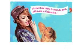 Cpm - SPA - Femme Chien Teckel - Dites Non à L'abandon - Banderole Avion - Dogs