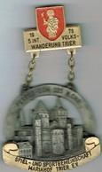 1979 5 Int Volks Wanderung Trier ( Petrus - Dom 325 M.Chr. - Entriegelungschips Und Medaillen