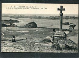 CPA - ILE DE BREHAT - La Croix De Saint-Michel Et Vue Sur L'Ile Béniguet, Animé - Ile De Bréhat