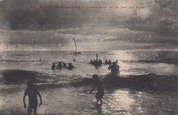 Cp , 50 , SAINT-PAIR-sur-MER , Contre-Jour Sur La Mer (Le Bain) - Saint Pair Sur Mer
