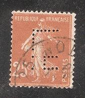 Perforé/perfin/lochung France No 235 L.H Librairie Hachette - France
