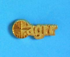 1 PIN'S //  ** AGRR GROUPE / AG2R LA MONDIALE ** - Banques