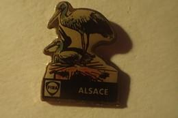 Pin's CIGOGNE D ALSACE, FINA - Carburants