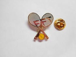 Superbe Pin's En EGF , Tennis , FFT , Fédération Française De Tennis , Signé Sofrec - Tennis