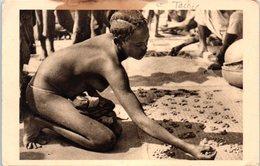 NU ETHNIQUE FEMININ - FEMME SEINS NUS AU MARCHE DE BANGUI - OUBANGUI-CHARI (tâche) - Afrique Du Sud, Est, Ouest