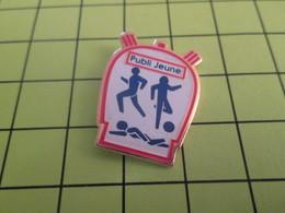 313h Pins Pin's / Rare & Belle Qualité THEME SPORTS / CHRONOMETRE PUBLI JEUNE FOOT NATAION COURSE A PIED - Pin's