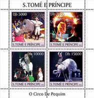 Sao  Tome 2004 Fauna  Circus  ,rhino ,elephant,lion - Sao Tome And Principe