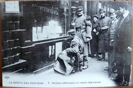 N°141 LA GREVE DES POSTIERS SOLDATS EFFECTUANT LA RELEVE DES BOITES (1906) ADECA NEUDIN 1978 TIRAGE N° 852/1000 - Grèves