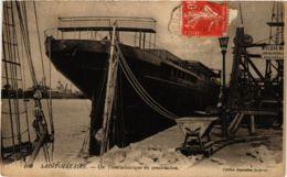 CPA ST-NAZAIRE Un Transatlantique En Construction (864363) - Saint Nazaire