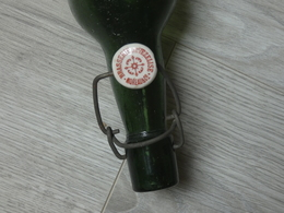 BOUTEILLE BIERE.  BRASSERIE DE VEZELISE. MOREAU & Cie MEUTHE ET MOSELLE.1/2 Litre. 29cm. - Bière
