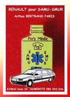 SUPER PIN'S AMBULANCE RENAULT-Arthus BERTRAND : Version FLACON JAUNE Numérotée N°086 SAMU-SMUR 3X2,2cm - Arthus Bertrand