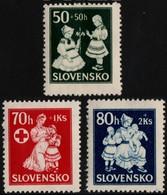 ~~~ Slovakia 1943 - Red Cross Child Wellfare - WM 1 , Perf 14 - Mi. 112/114  ** MNH OG  ~~~ - Ungebraucht