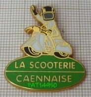 SCOOTER LA SCOOTERIE CAENNAISE  CAEN Dpt 14 CALVADOS En Version ZAMAC BALLARD - Motos