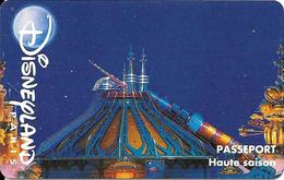 PASS-DISNEYLANDPARIS -1996-SPACE MOUNTAIN-FUSEE-ENFANT-V° N° S 029521- A Droite Vertical- VALIDE  1 JOUR-TBE - Toegangsticket Disney