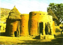Maison Somba Au Nord Du TOGO Belle Cpsm 15X105 Bon état Voir Scans - Togo