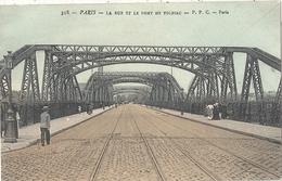 CPA Paris La Rue Et Le Pont De Tolbiac - Arrondissement: 13