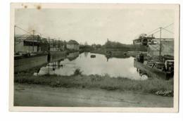 Dompierre Sur Besbre - Le Bassin (péniche Au Chargement, Drageuse Au Fond)  Pas Circulé - France
