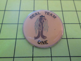 812e Pins Pin's / Rare & Belle Qualité THEME MILITARIA / FORCES SPECIALES US NAVY SEAL TEAM ONE - Army