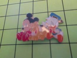 812e Pins Pin's / Rare & Belle Qualité THEME DISNEY / MICKEY PLUTO ET DONALD BEBES - Disney