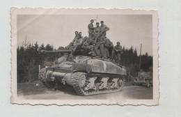Photo Originale Char Tank Jeep à  Identifier DB 1945 - Guerre, Militaire