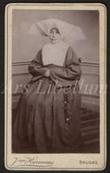 Photo-carte De Visite / CDV / Nun / Kloosterzuster / Photographer / Jeanne Hermans / Brugge / 2 Scans - Anciennes (Av. 1900)