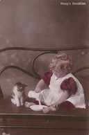 CPA CHAT CAT  OLD POSTCARD LITTLE GIRL PETITE FILLE GERMANY - Katten
