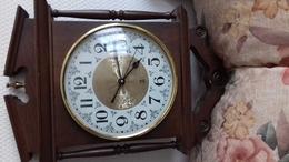 PENDULE JAZ - Clocks