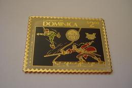 20190711-3095 TIMBRE DENTELE DOMINICA « PETER PAN ET CAPITAINE CROCHET » WALT DISNEY - Disney