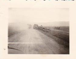 Foto Deutsche Wehrmacht - LKWs Wracks Rollbanh - 2. WK - 5,5*4cm (42404) - Krieg, Militär