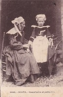 1900'S CPA FOLK DRESSED- SCAER. GRAND'MERE ET PETITE FILLE. COLL E.HAMONIE- BLEUP - Costumes