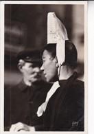 1950'S CPA FOLK DRESSED- BRETAGNE. COIFFE DE BIGOUDINES. YVON- BLEUP - Costumes