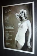 "Carte Postale : ""Sans Gêne"" (gaine) Lise Charmel (lingerie - Pin-up) Photo : Wisten (1964) - Pin-Ups"