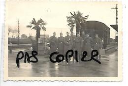 17 ROCHEFORT JUIN 1943  SOLDATS ALLEMANDS GARE TRAIN - Rochefort