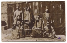 ARMENIA - FAMILY GROUP PORTRAIT COSTUMES, CIGARETTE SMOKE, REAL PHOTO PC, Year 1918 - Armenië
