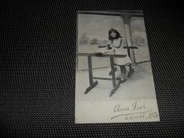Illustrateur ( 1142 )  Pas Signée  - Genre Viennoise  Fille  Fillette  Fer à Repasser  Strijkijzer - 1900-1949