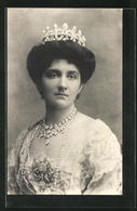 Cartolina Portrait Königin Helena Von Italien Mit Krone U. Halskette - Royal Families