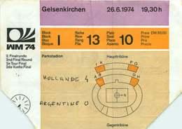 110719A - BILLET TICKET ENTREE FOOTBALL - COUPE DU MONDE 1974 ALLEMAGNE WM74 Stade GELSENKIRCHEN Hollande Argentine - Soccer