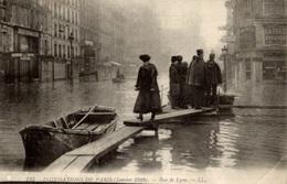 CPA Inondations De Paris (janvier 1910) Rue De Lyon - Animée - De Overstroming Van 1910