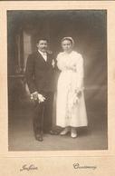 Photographie Ancienne De Vendée, Chantonnay (85), Couple De Mariés Pris Par Jouffeiot, Vers 1910, Coiffe, Dédicace - Lieux