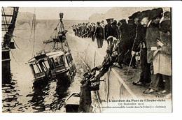 CPA - Carte Postale-France-Paris-Accident Du Pont De L'archevêché Le 27/09/1911-VM4481 - Die Seine Und Ihre Ufer