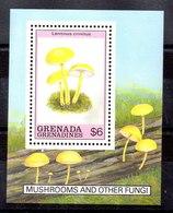 Hoja Bloque Granada Granadinas N ºYvert 173 ** SETAS (MUSHROOMS) - Grenada (1974-...)