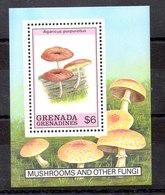 Hoja Bloque Granada Granadinas N ºYvert 174 ** SETAS (MUSHROOMS) - Grenada (1974-...)
