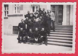 244958 / Pleven - 1938 YOUNG MEN , SCHOOL BUILDING , Vintage Original Photo , Bulgaria Bulgarie - Personnes Anonymes