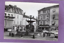 88 REMIREMONT Place De La Courtine Automobiles Coiffeur Restaurant  Simca Aronde P60 Renault Dauphine Flamme Au Dos - Remiremont
