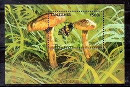 Hoja Bloque De Tanzania N ºMichel 415 ** SETAS (MUSHROOMS) - Tanzania (1964-...)