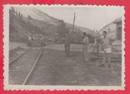 244991 / Village Tserovitsa Kyustendil Municipality - RAILWAY Surveyor MEN , Vintage Original Photo , Bulgaria Bulgarie - Anonymous Persons