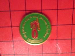 412BPin's Pins / Beau Et Rare : THEME : AUTRES / UN PAS VERS CENPA CENT PAS VERS LA FORTUNE - Badges