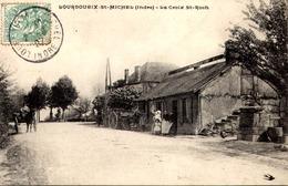 36 LOURDOUEIX-SAINT-MICHEL. Ancienne Station Des Diligences à La Croix Saint-Roch. - France
